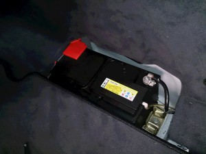ベンツ benz S500 w220 バッテリー