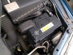 ボルボ V40 バッテリー