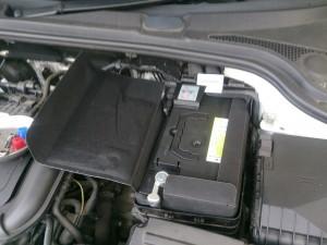 AUDI A3 バッテリー交換