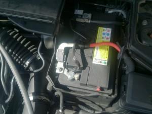 ボルボ V60 バッテリー交換