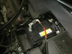 ボルボ V70 バッテリー交換