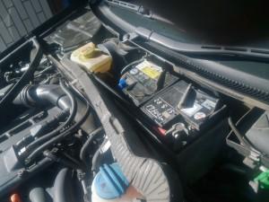 audi A4 バッテリー交換