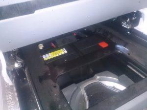 ベンツ V350 バッテリー交換