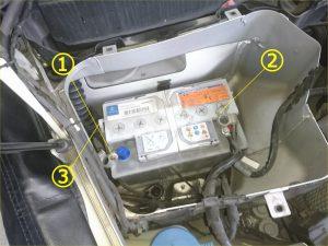ベンツ R171 バッテリー交換