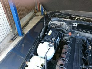 ベンツ R107 バッテリー交換