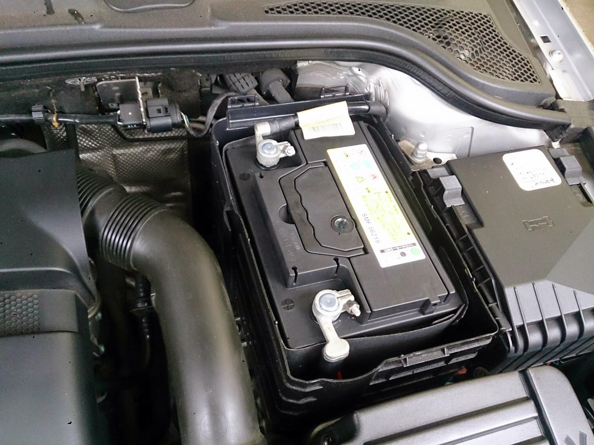 AUDI A3 バッテリー
