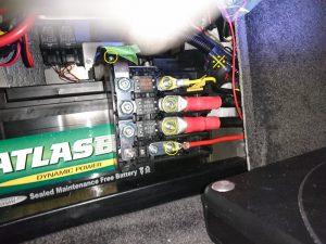 ベントレー コンチネンタル バッテリー交換