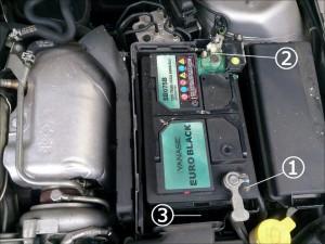 サーブ 93 バッテリー 交換