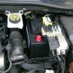 シトロエン C4 バッテリー交換