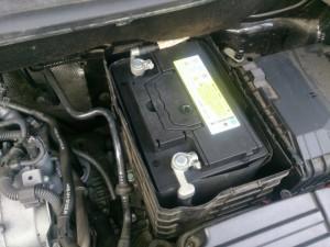ゴルフ トゥーラン バッテリー交換