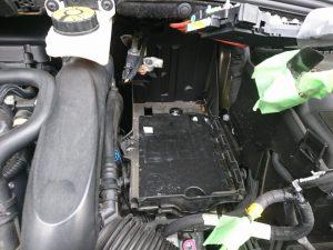 シトロエン DS4 バッテリー交換