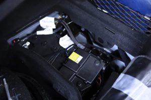 マセラティ ギブリ バッテリー 交換