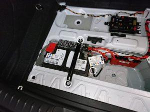 BMW 120i(F20) バッテリー交換
