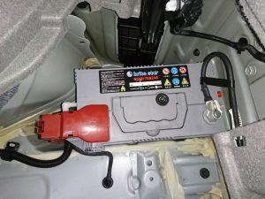 30プリウス バッテリー交換
