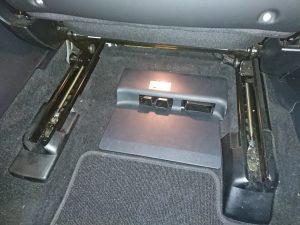 ベンツ W166 バッテリー交換
