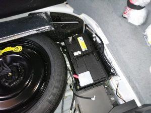 ジャガーXJ(X358)のバッテリー交換