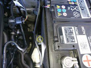 アウディ Q3 バッテリー交換