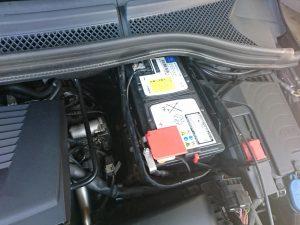 ベンツ W176 バッテリー交換