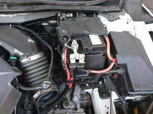 ボルボ V40 バッテリー交換