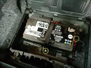 アウディ AUDI Q5 バッテリー交換