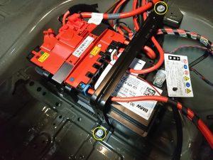 BMW 523d(F10)のバッテリー交換をしました