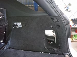 W166 バッテリー交換