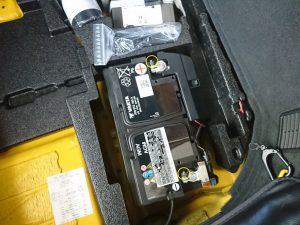 アウディTT(8S)のバッテリー交換
