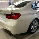 BMW F30 320 バッテリー 交換
