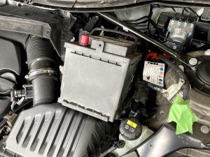BMW MINI ミニ クロスオーバー F60 バッテリー 交換
