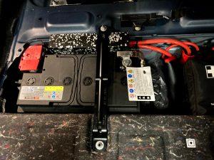 BMW 220i カブリオレ F23 バッテリー 交換