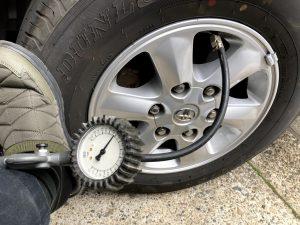 レジアスエース スタッドレス タイヤ交換